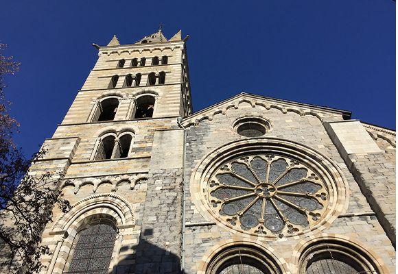 Cathédrale-Notre-Dame-Réal_thumb.jpg